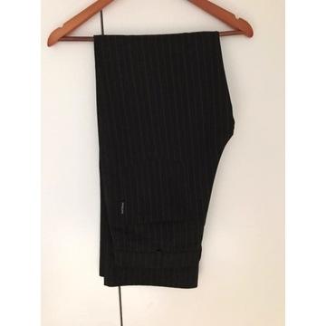 Męskie spodnie czarne w paski eleganckie 86/182