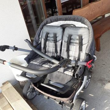 Wózek dla bliźniaków lub rok po roku