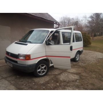 Volkswagen Transporter / Caravelle 1.9 9-osobowy