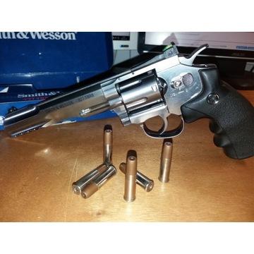 Wiatrówka Smith&Wesson 327 TRR8 cal 4,5mm