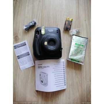 Nowy aparat Instax Mini 11