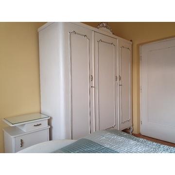 Sypialnia, łóżko biurko, szafki nocne