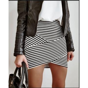 Spódnica w paski czarno biała s/m latika bandażowa