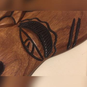 maska wyrzeźbiona w drewnie tekowym Afryka Gambia