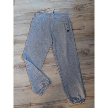 Spodnie dresowe xl comeor