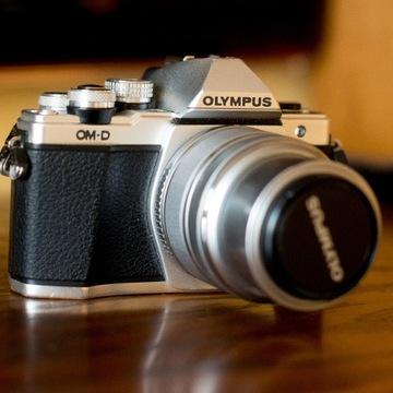 Wyprzedaż. Bezlusterkowiec Olympus OM-D-M10 M II