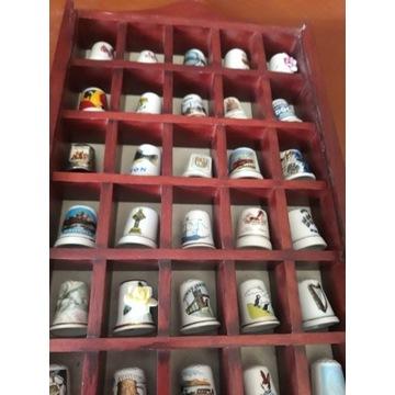 Kolekcja porcelanowych naparstków