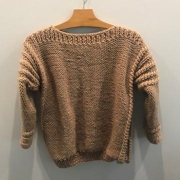 Sweter w kolorze beżowym  (wielbłądzim)