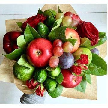 Bukiet z owoców i kwiatów
