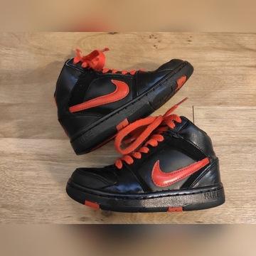 Nike oldschool. Stan bardzo dobry. Wysyłka gratis