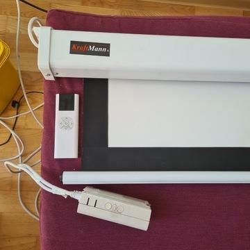 KraftMann elektryczny ekran projekcyjny pilot 244x