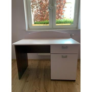 Biurko dla dziewczynki w kolorze liliowym