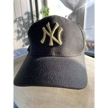 Męska czapka New Era M/L złoty znaczek regulacja