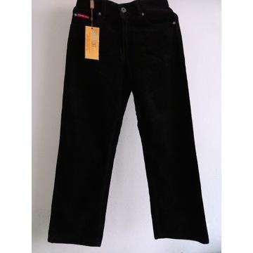 Spodnie sztruksowe dla dzieci.