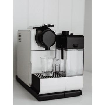 Ekspres De'Longhi Nespresso Lattissima EN550.W