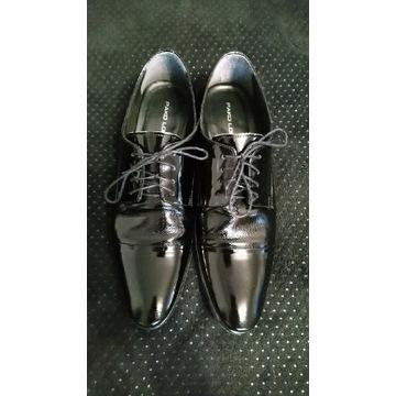 Buty smokingowe lakierowane