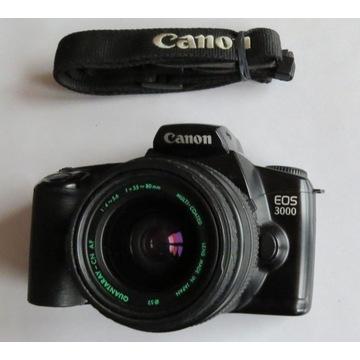 CANON EOS 3000 z obiektywem