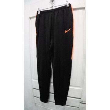 %%Jak NOWE! spodnie dresowe NIKE dry-fit 146-158cm