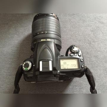 NIKON D-90 18-105MM