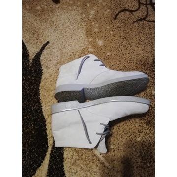 Buty biały zamsz Włoskie rozmiar 44.