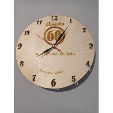 Zegar drewniany spersonalizowany prezent