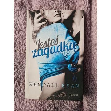 książka JESTEŚ ZAGADKĄ Kendall Ryan romans miłosna