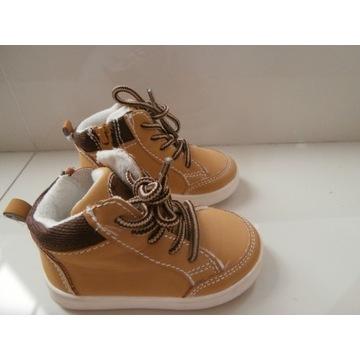 Buciki H&M . Ocieplane trzewiki sneakersy roz20-21
