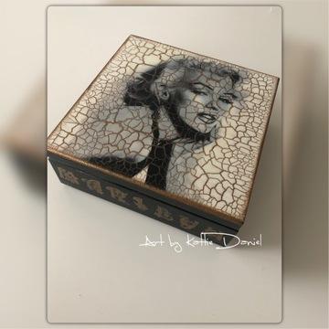 """Szkatułka """"Marilyn Monroe"""" MARILYN MONROE"""