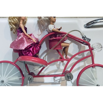 Żyrandol- barbie na rowerze - używany rok, różowy