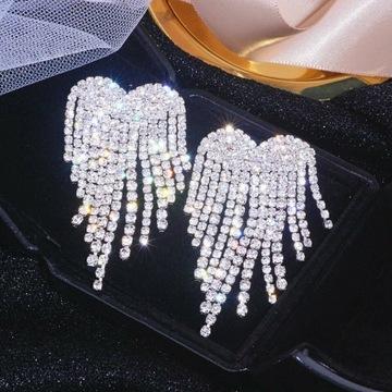 Kolczyki z diamencikami w kształcie serca