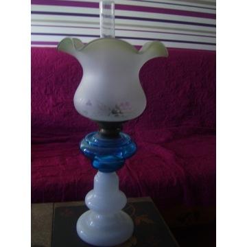Szklana lampa naftowa-okres międzywojenny