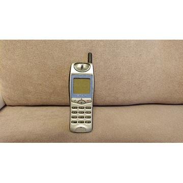 Telefon Sony CMD-J5.