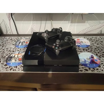 Playstation 4 , SSD 1TB , 2 pady , 4 gry