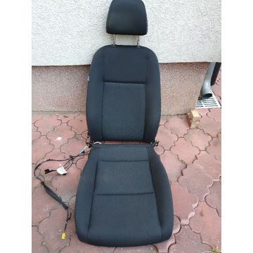 Fotel kierowcy i pasazera Golf Plus VI