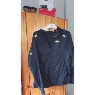 Kurtka Nike Windrunner-kupiona za 430  stan 10/10