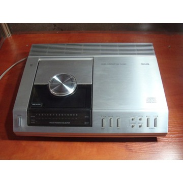 PHILIPS CD 100 COMPACT DISC PLAYER