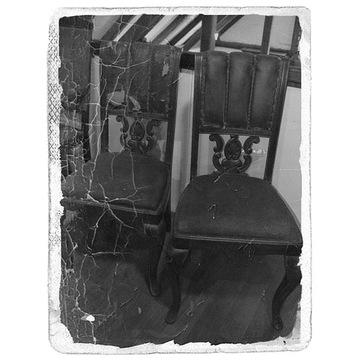 MAGAZYN dwa krzesła tel. 883322162