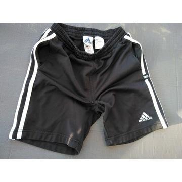 Adidas spodenki czarne 128