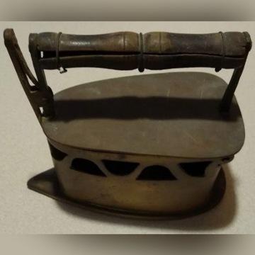 Stare żelazko mosiężne