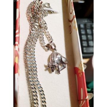 Srebrny łańcuszek z zawieszką byk zodiakalny