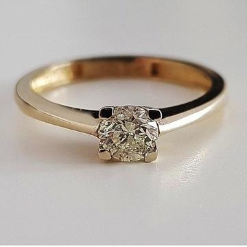 Złoty pierścionek z diamentem 0,40ct
