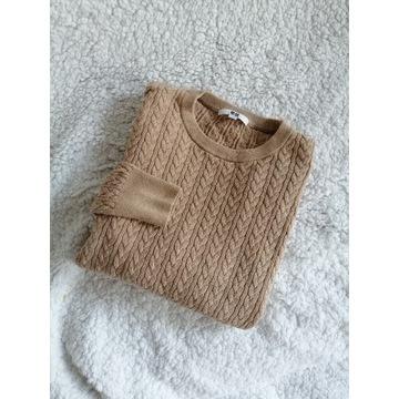 Piękny beżowy bawełniany kaszmirowy sweter warkocz