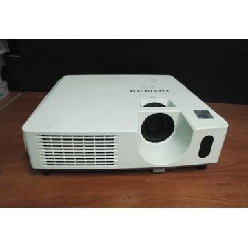 Projektor Hitachi używany