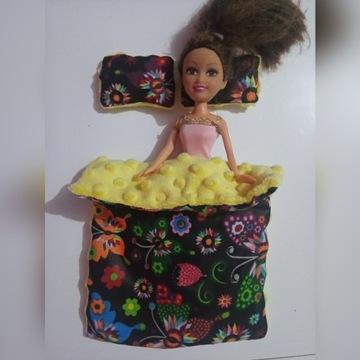Lalka Barbie pościel dla barbie + 2 poduszki .