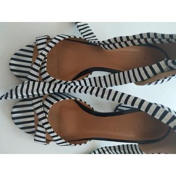 Sandały Badura na obcasie