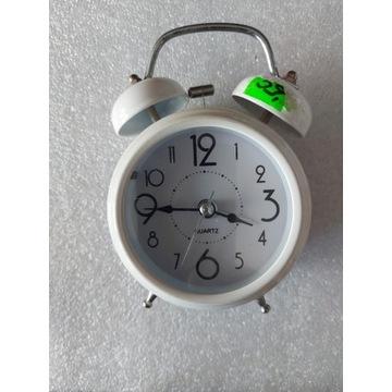 Budzik zegar nowy retro