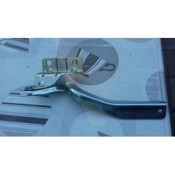 Zawias maski prawy/lew Nissan Qashqai 07-10r. NOWY