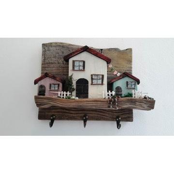 Drewniany wieszak na klucze, drobiazgi - domki