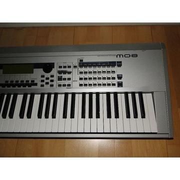 Syntezator Stage Piano YAMAHA MO8 + Futeral
