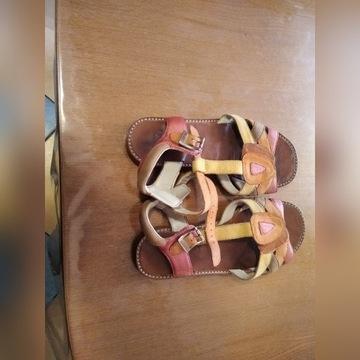 sandałki clarks  33 stan bdb-   skóra  japonki gra